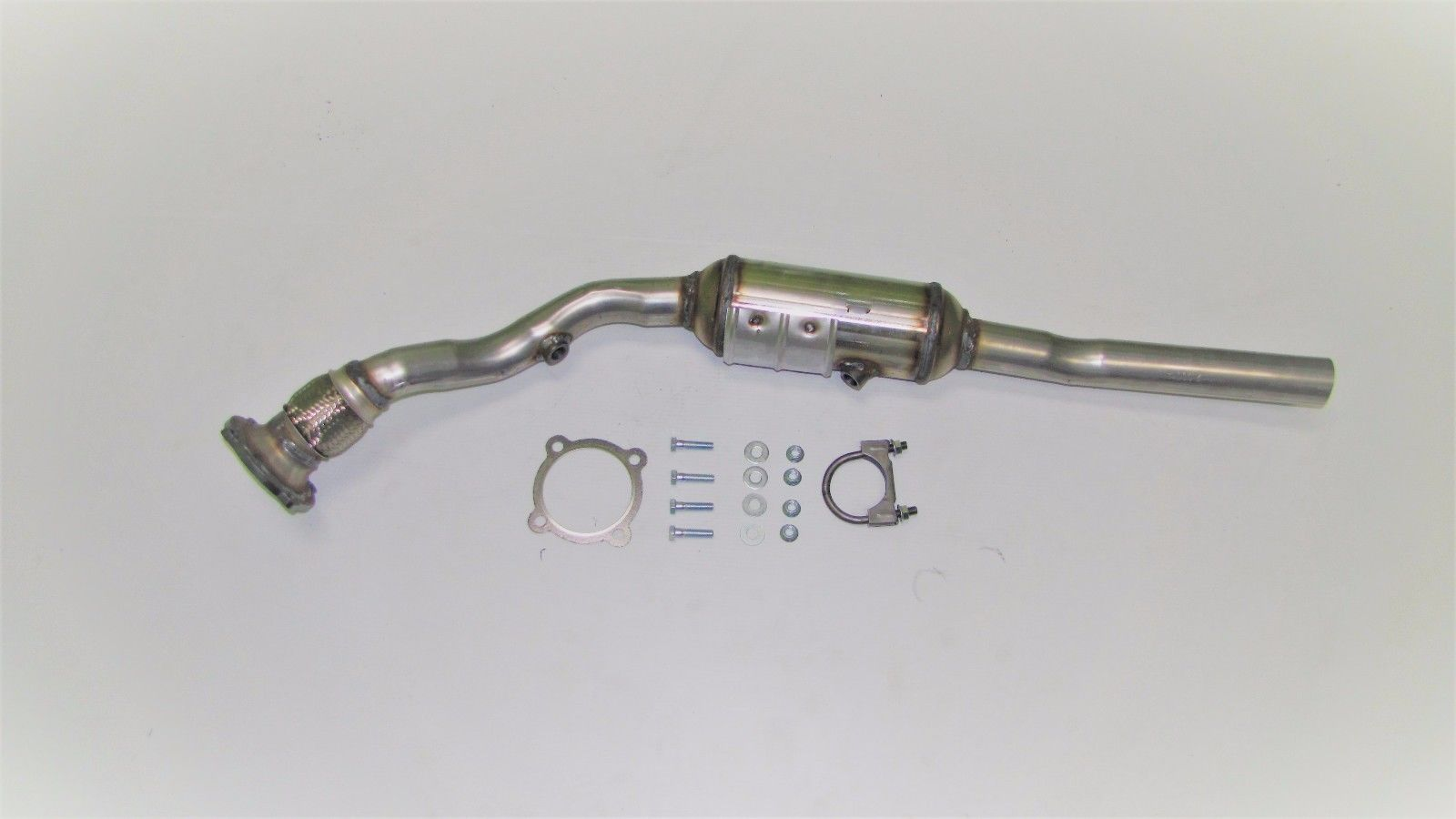 2009-2012 Audi A4 /& A4 Quattro 2.0L Turbo Exhaust Catalytic Converter Direct-Fit