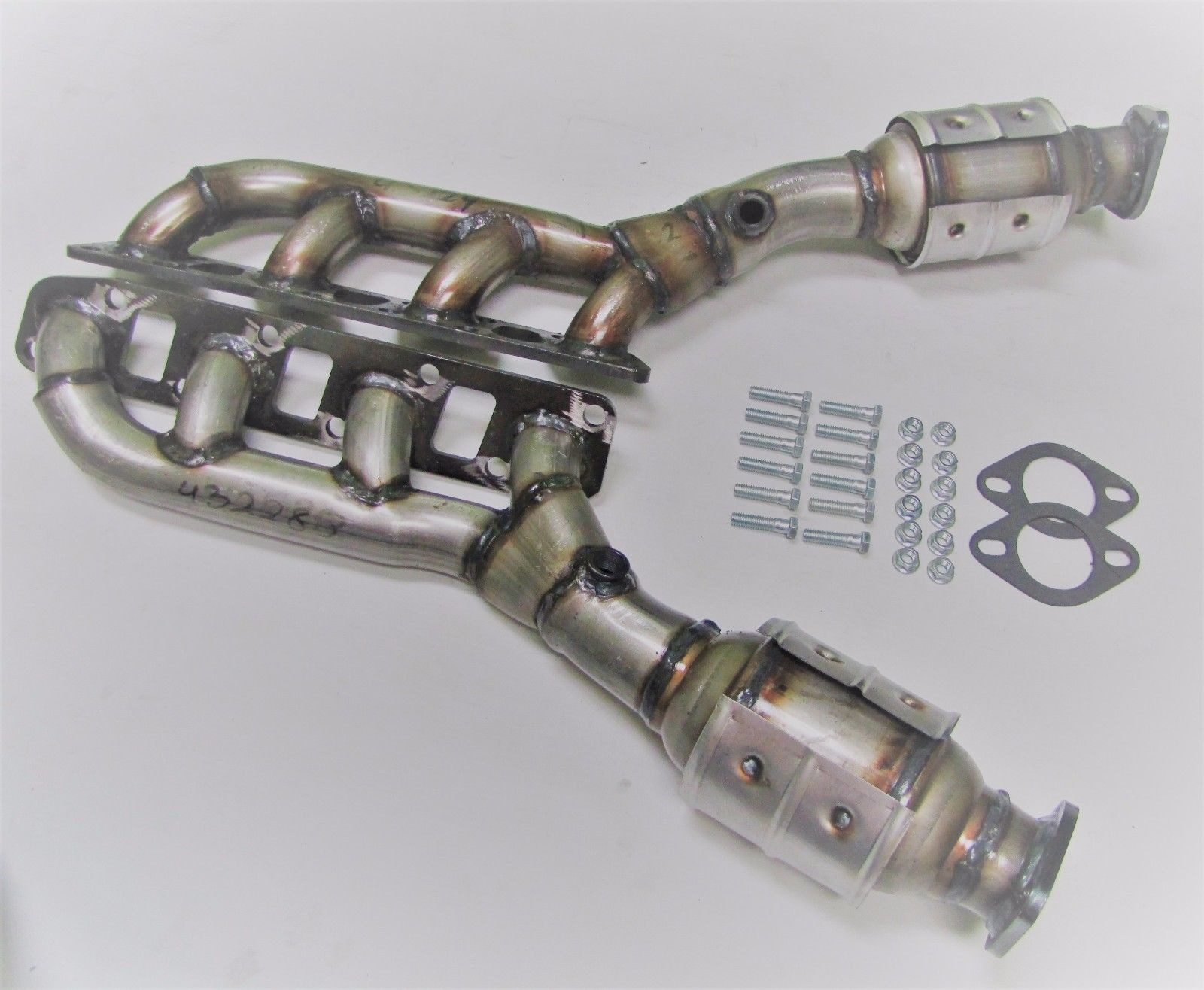 Superior Exhaust SS43228229 Fits: 2004 2014 Nissan Titan 5.6L D/S And P/S  Manifold Catalytic Converter OBD11